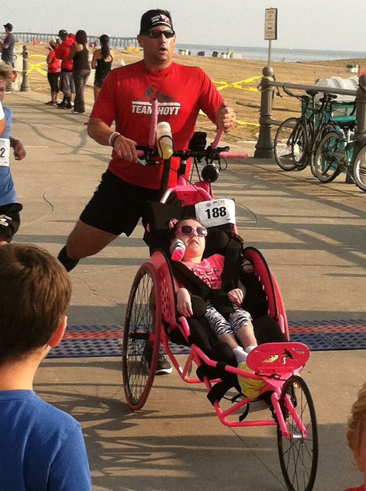 Rooster and Ainsley running a marathon